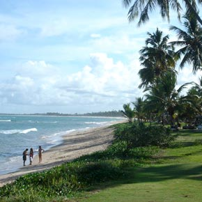 Promenade sur une plage de Bahia