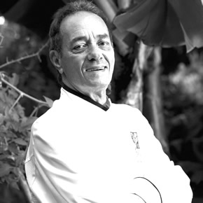 Beto Pimentel est un grand chef brésilien reconnu tout particulièrement pour sa cuisine fruitée.