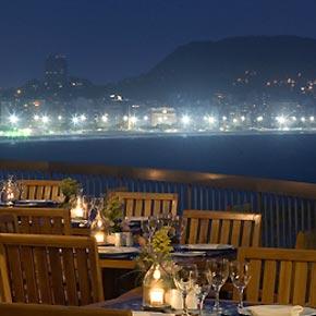 N'hésitez plus entre Copacabana et Ipanema et choisissez cet hôtel avec accès aux deux plages mythiques.