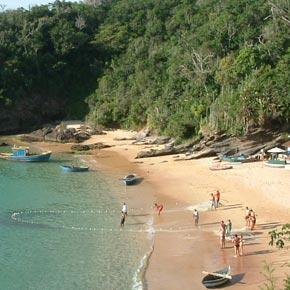 Prévoyez une étape à Buzios, haut lieu balnéaire, durant votre séjour au Brésil.